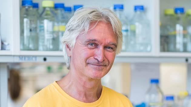 Julius Lukeš, parazitolog, profesor Jihočeské univerzity.
