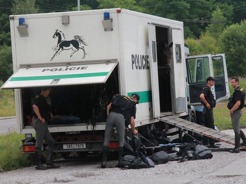 Ve městě budou operovat i policisté na koních.