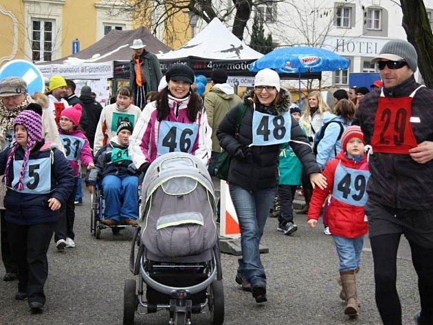 Modrý běh se i letos koná v Českých Budějovicích. Fotografie pochází z prvního ročníku akce.