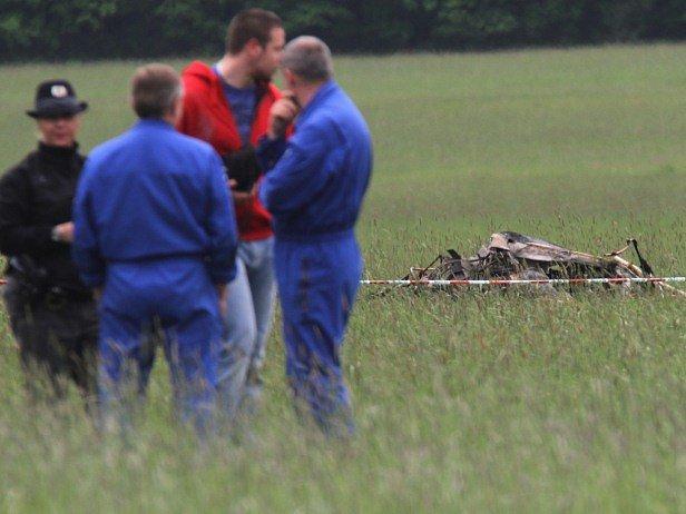 U Českých Budějovice se zřítil vrtulník.