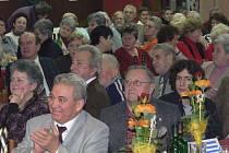Příběhy z mládí ožily v sobotu v Nových Hradech. Na společné zážitky vzpomínali místní společně s někdejšími řeckými dětmi.