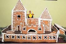 Adventní prohlídky novohradského hradu zpestří hrady a zámky z perníku. Napéct a nazdobit je může kdokoli z vás.