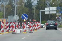 Částečná uzavírka mostu, která potrvá až do 18. července začala v neděli 17. dubna