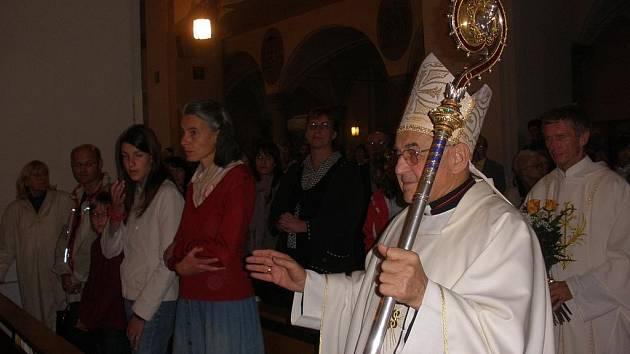 Kardinál Miloslav Vlk se do českobudějovické katedrály vrací jako domů.
