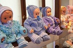 Výstava panenek v Jihočeském muzeu v Českých Budějovicích.