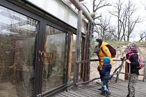 Zoo Ohrada v Hluboké nad Vltavou otevřena. Zoo navštívila také Kateřina Mikešová s Emanem a  Honzou.