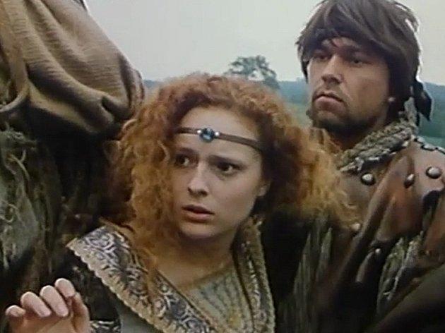 Záběr z filmu Jestřábí moudrost.