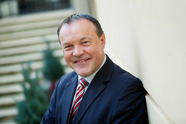 Gerhard Fischer odchází zpozice jednatele dm.