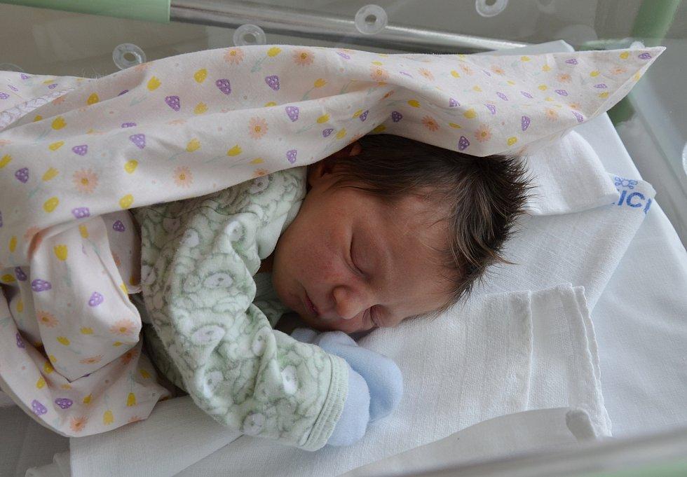 Adéla Červenková z Velké Turné. Prvorozená dcera Petry a Eduarda Červenkových se narodila 21. 4. 2021 v 00.09 h. Váha po porodu ukazovala 3,05 kg.