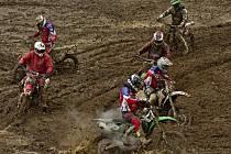 Na krajském přeboru v Pacově se museli jezdci prát s těžkými podmínkami.