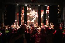První ročník Plesu města Českých Budějovic proběhl v kulturním domě Metropol v Českých Budějovicích na Senovážném náměstí
