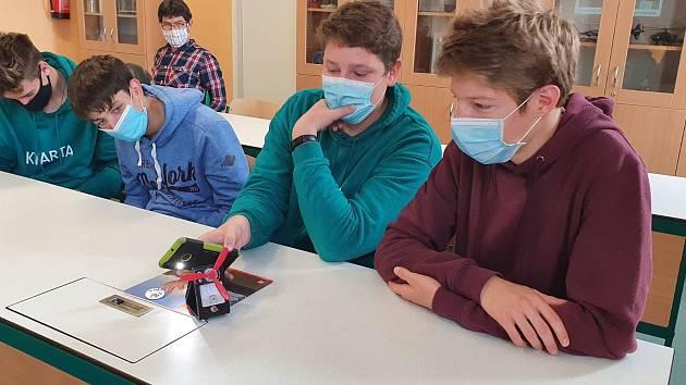 Gymnazisté z Týna nad Vltavou diskutovali s odborníkem z Temelína.