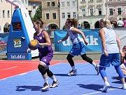 České Budějovice - Sobota 10. června patří na náměstí Přemysla Otakara II. v Českých Budějovicích basketbalu. Po roce tam dorazila Chance 3x3 Tour. U Samsona vyrostly čtyři kurty s mobilními koši.