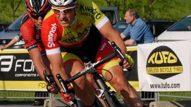 ZASE NA JIHU. V pondělí se Martin Bína vrátil ze soustředění na Mallorce. V úterý vyhrál kritérium v Táboře a dnes se těší na start v závodě Českého poháru v Lipně nad Vltavou.