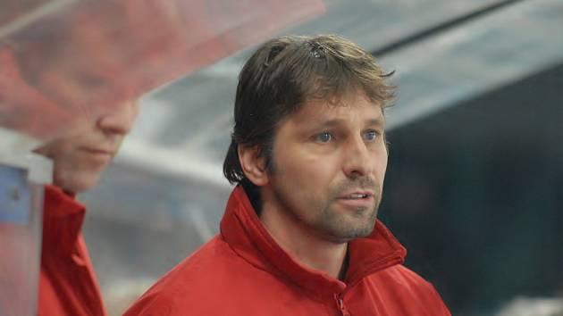 Josef Jandač kráčí jako trenér s českobudějovickými hokejisty za největším úspěchem za poslední roky. V dalším pokračování extraligy hostí jeho tým ve středu Znojmo (17.30).