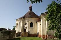 Poutní areál kostela v Římově i známá křížová cesta se dočkají obnovy.