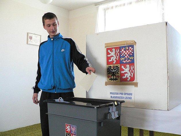 Volit v České republice mohou občané starší osmnácti let. Ilustrační foto.