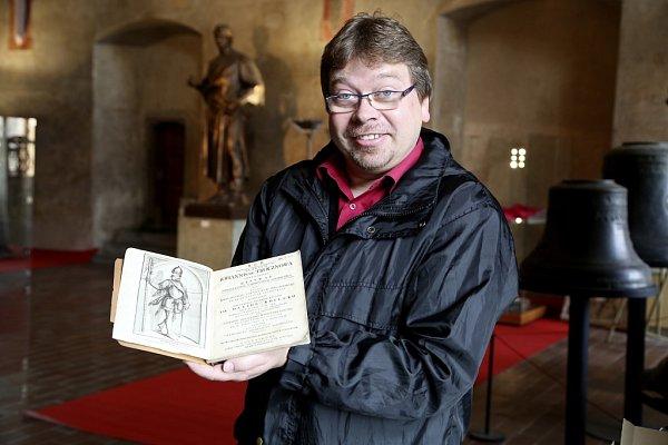 Husitské muzeum vTáboře připravilo výstavu oJanu Žižkovi, slavném vojevůdci zTrocnova, od jehož úmrtí uplyne 11.října 590let. Na snímku ředitel muzea Jakub Smrčka.