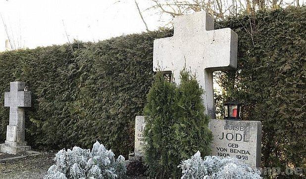 Hrob rodiny Jodlových.