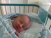 Václav Bezděka se mamince Lence Bezděkové narodil 27. 7. 2017 ve 20.53 h. Jeho porodní váha byla 3,47 kilogramu. Doma už na něj netrpělivě čekal taťka Václav Bezděka.