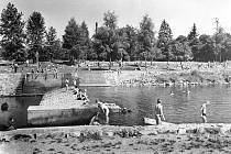 Malý jez na Malši kolem roku 1958.