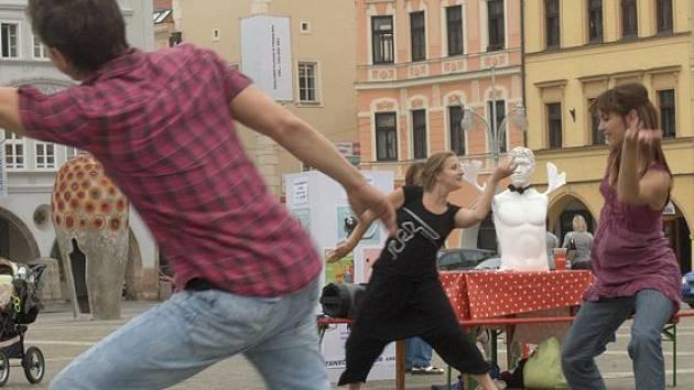 Poslední dubnový víkend českobudějovická Kredance z.s. přiveze do Blatné svůj taneční projekt KOCOUR. Ilustrační foto.