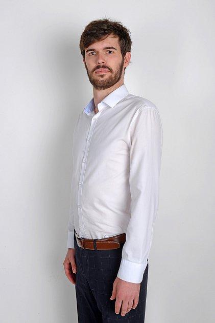 David Štafl, 22let, podnikatel, student ekonomie, Včelná, člen Svobodní.
