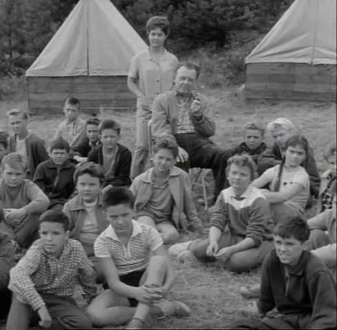 Antonín Panenka si rád zahrál v komparzu filmu Objev na Střapaté hůrce. Letní tábor filmaři zřejmě natočili v západní části Šumavy.