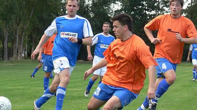 Vltava se v OP rozešla s Bukovskem (v modrých dresech) smírně 1:1.