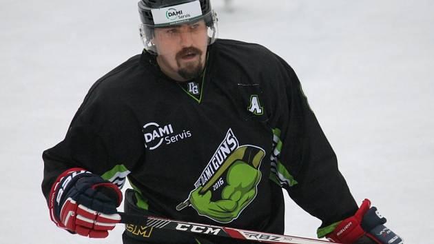 Daniel Mikeš založil s kamarády nový tým a hraje sdružený okresní přebor.