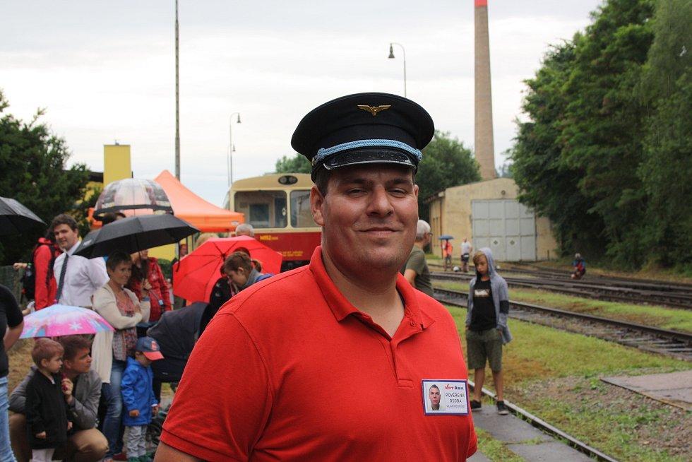V Týně nad Vltavou se v sobotu konal miniden železnice. U příležitosti zahájení pravidelné prázdninové přepravy cestujících. Na trati jinak cestující nepřepravují.