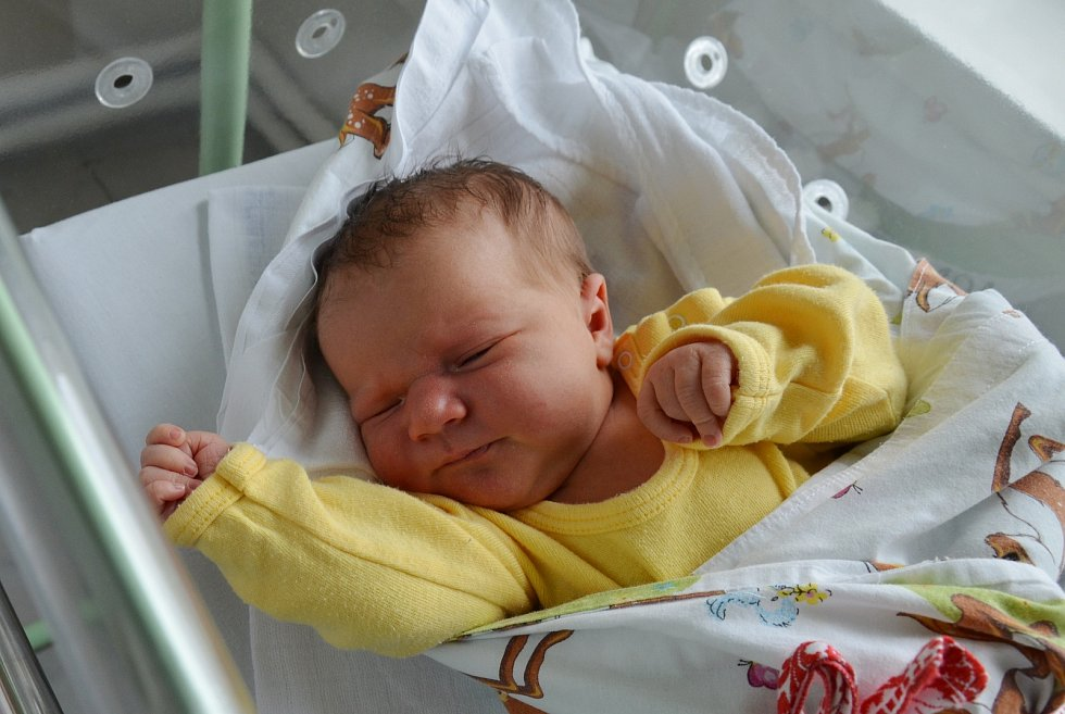 Anna Šimuničová z Prachatic. Prvorozená dcera Pavlíny a Martina Šimuničových se narodila 10. 5. 2021 v 15.31 hodin. Při narození vážila 3500 g a měřila 50 cm.Foto: Jana Krupauerová