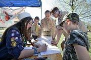 Malí skauti a skautky postavili tábor na Sokolském ostrově a pozvali veřejnost na svoji pouť.