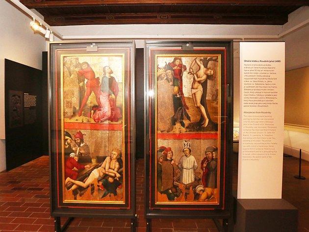 Nová národní kulturní památka, oltářní křídla z Roudník, je ve sbírkách Husitského muzea.