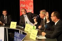 Předvolební debaty se v Českých Budějovicích účastnili zleva Jiří Zimola (ČSSD), Tomáš Jirsa (ODS), Petr Braný (KSČM) a Luboš Průša (Jihočeši 2012).