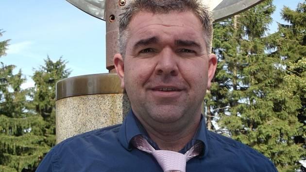 Dan Kalousek, šéf horské chaty na Kleti, je jedním z patronů charitativního Kabelkového veletrhu Deníku. Ten dává šanci talentovaným dětem z jižních Čech.