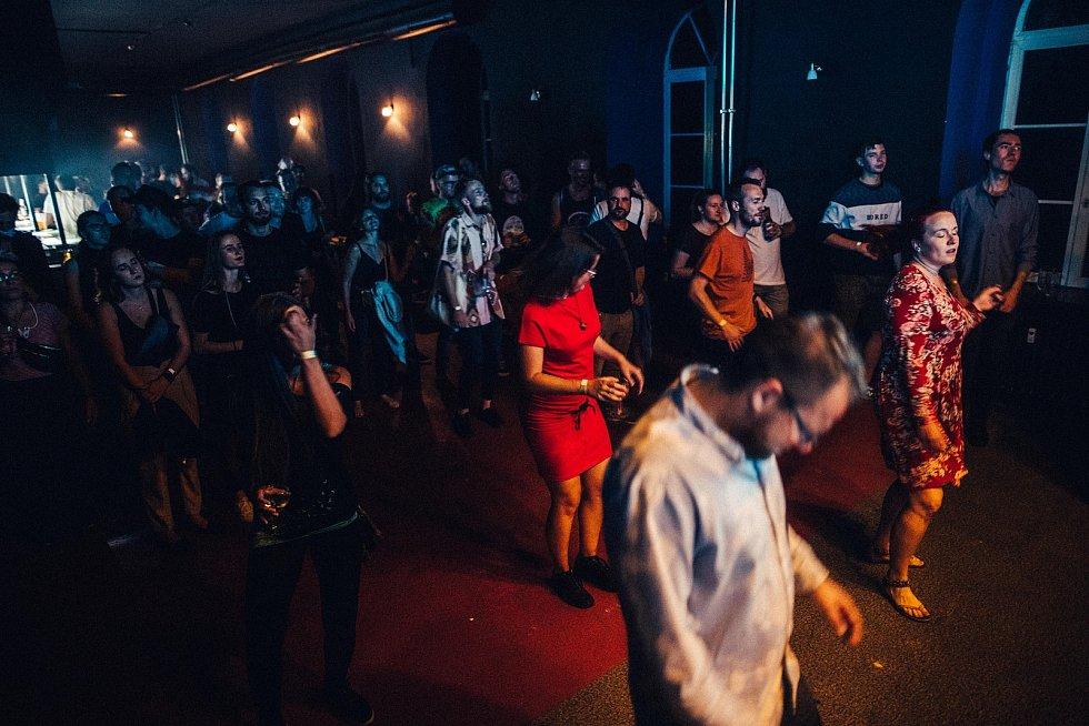 V klubu TEMPO mimo jiné vystoupili i interpreti Ventolin a DJ Myslivec.