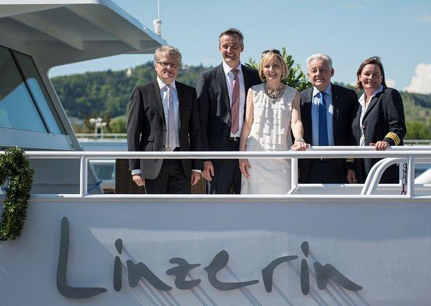 Křtili novou atrakci - loď Linečanka.