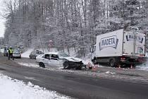 Dvě zranění si vyžádala úterní nehoda u Lišova. Ani jeden z řidičů nepil před jízdou alkohol, škoda je asi 180 tisíc korun.
