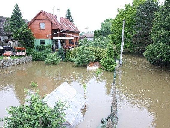 Voda v Roudném v úterý 4. června.