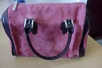 Růžová kabelka od volejbalistky Julie Kovářové.