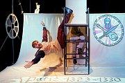 Malé divadlo v Českých Budějovicích připomíná 700. výročí narození Karla IV. Nová hra Karel, táta vlasti podává známá fakta zábavnou a srozumitelnou formou, která je přitažlivá pro současné děti i mladistvé.