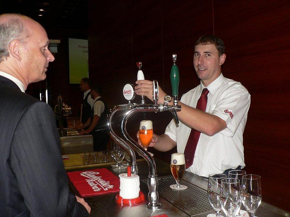 Do Síně slávy českého pivovarnictví a sladařství byl uveden Josef Tolar, dlouholetý sládek Budějovického Budvaru. Na Svatováclavské slavnosti nechyběly stánky jednotlivých pivovarů.