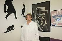 Miroslav Houška otevřel Galerii 1 na rohu České a Panské ulici v Českých Budějovicích, která se specializuje na umělce od 60. let, vystavuje i Jaromíra 99