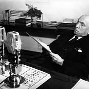 Prezident Emil Hácha při vánočním projevu do rozhlasu 22. prosince 1938