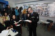 Mimořádná tisková konference k dvojnásobné vraždě v Horusicích na Táborsku. Na snímku policejní mluvčí Jiří Matzner.