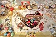 Borovanské seniorky připravily pro své sousedy výstavu o velikonočních zvycích.