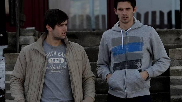 Petr Javorek (vpravo) spolu se svým spoluhráčem Peterm mrázem, tentokráte v roli diváků.