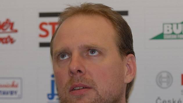 Trenér Martin Demar pasuje Jihostroj do role favorita.
