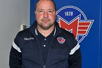 Asistent trenéra hokejistů Madeta Motoru Roman Fousek.